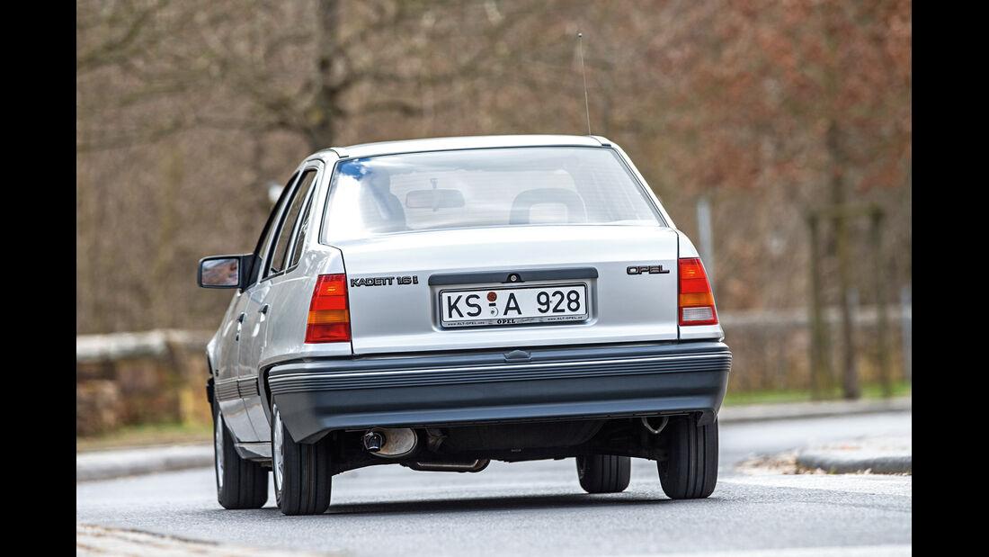 Opel Kadett 1.6i, Heckansicht