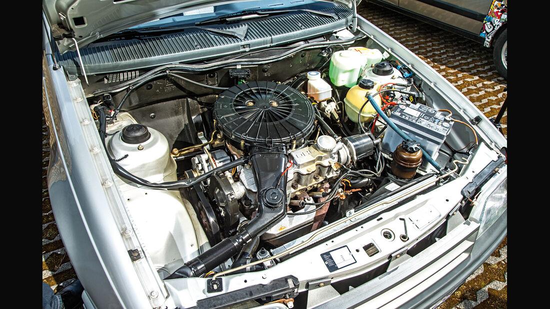 Opel Kadett 1.6i, Motor
