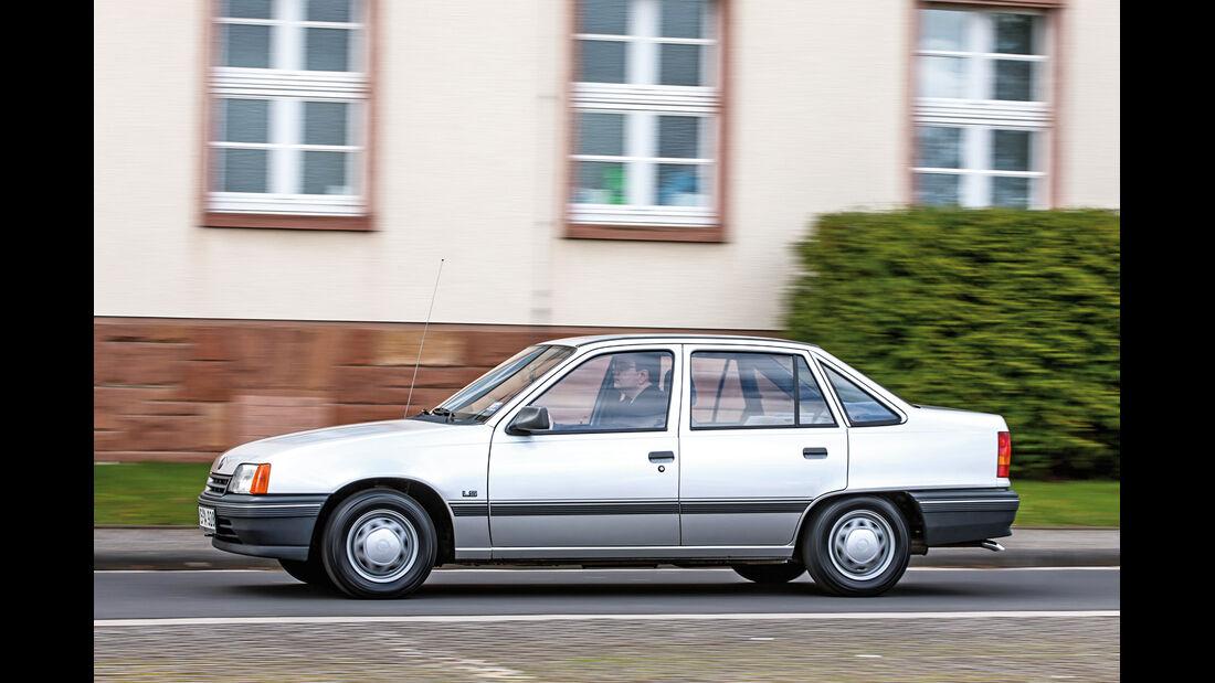 Opel Kadett 1.6i, Seitenansicht
