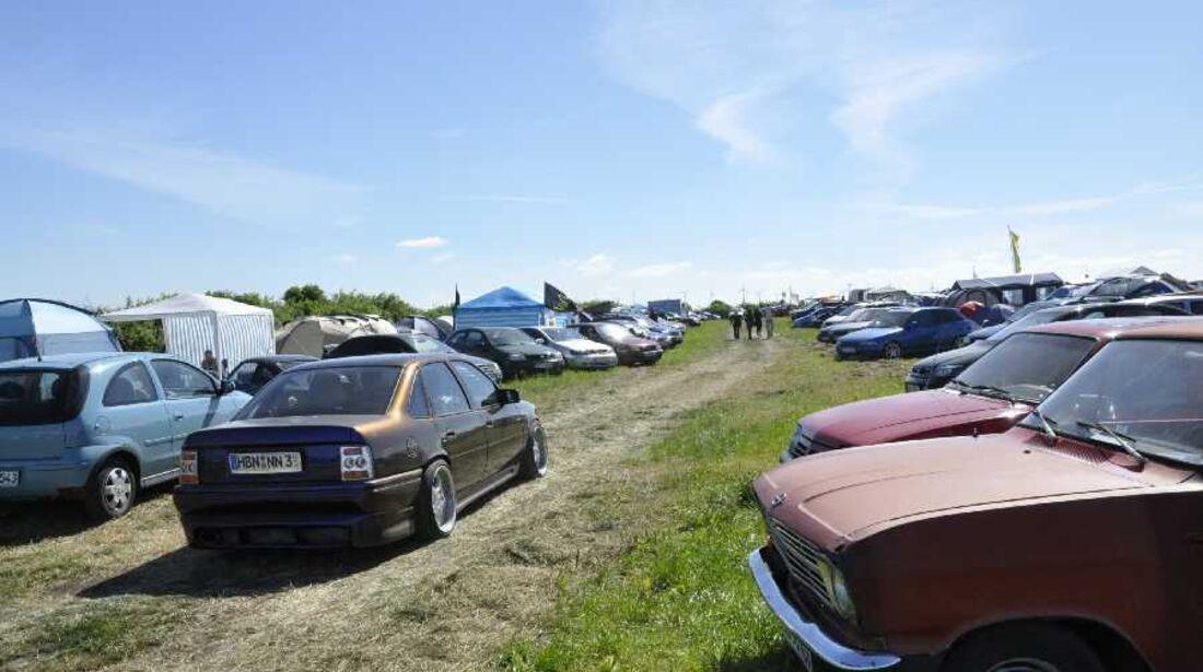 Opel Kadett C schräg von vorne