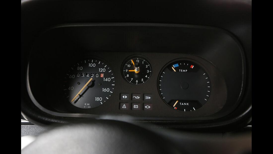 Opel Kadett City 1200, Rundinstrumente