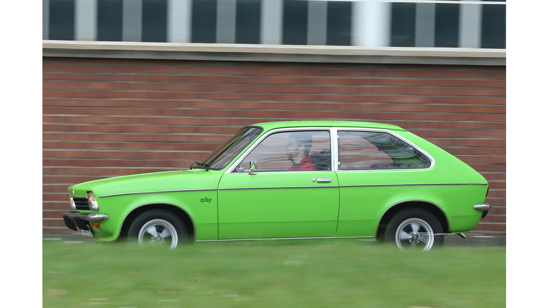 Opel Kadett City 1200, Seitenansicht