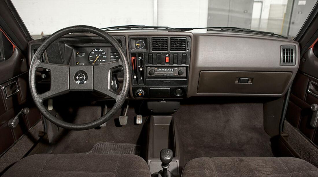 Opel Kadett D, Cockpit