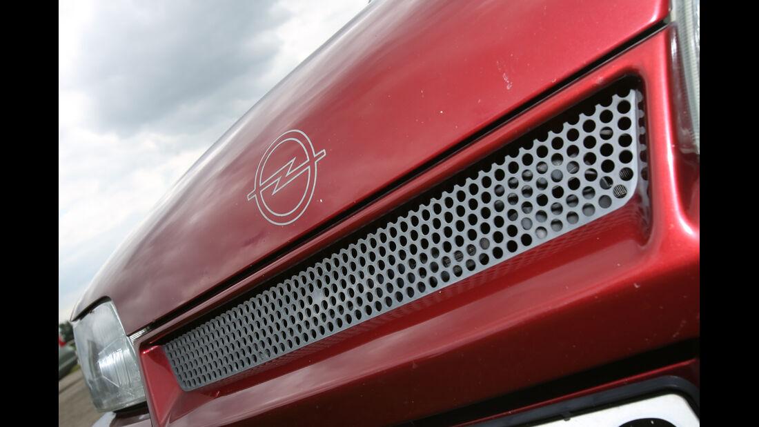 Opel Kadett E 2.0 GSi Cabriolet, Kühlergrill