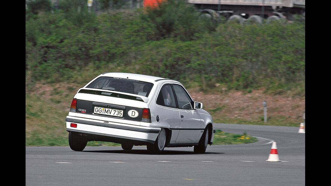 Opel Kadett GSi 16V, Heckansicht