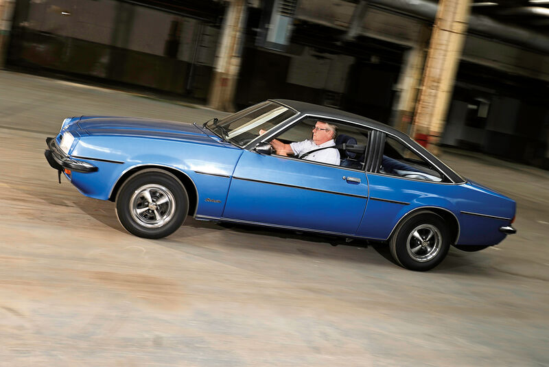 Opel Manta 1900 S, Seitenansicht