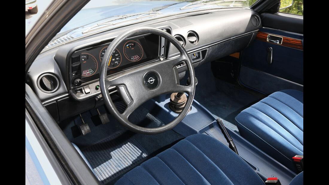 Opel Manta, Cockpit
