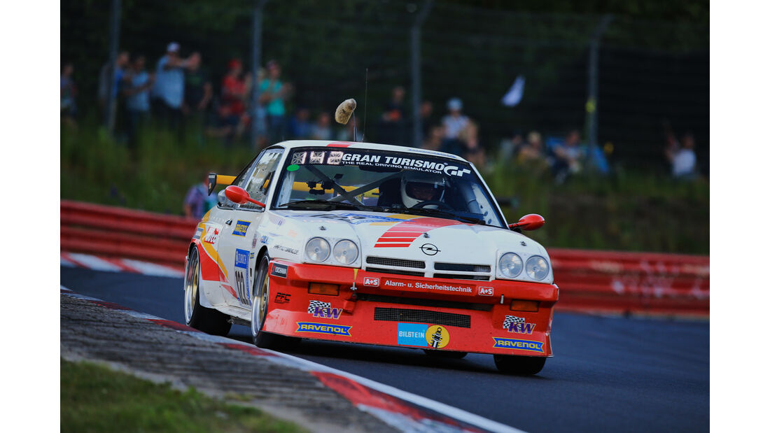 Opel Manta - Startnummer #122 - 24h-Rennen Nürburgring 2017 - Nordschleife - Samstag - 27.5.2017