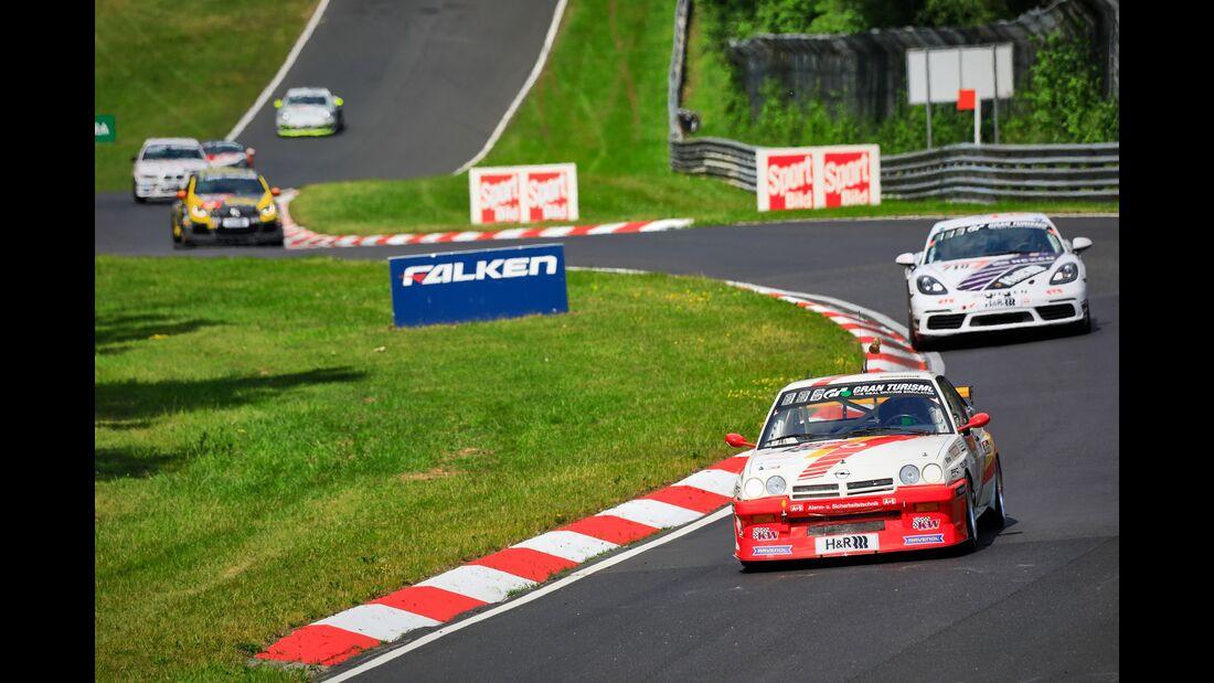Opel Manta - Startnummer  #122 - 24h Rennen Nürburgring - 22. Juni 2019