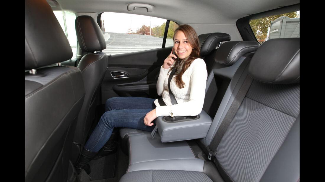 Opel Mokka 1.4 Turbo 4x4, Rücksitz, Armablage