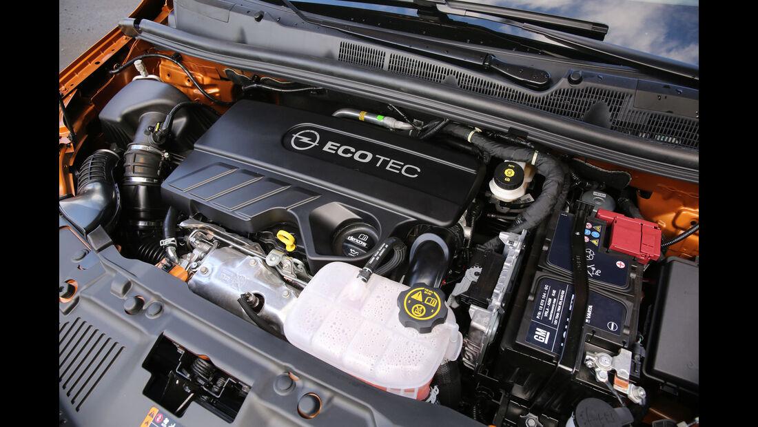 Opel Mokka-SUV-Fahrbericht-Motorraum