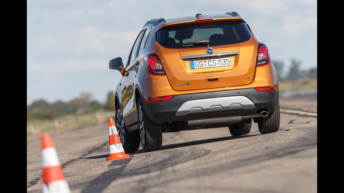 Opel Mokka X 1.6 CDTI 4x4, Heckansicht, Slalom