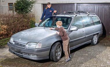 Opel Omega A Caravan, Seitenansicht