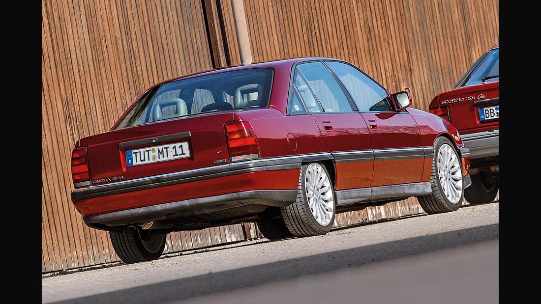 Opel Omega A, Heckansicht