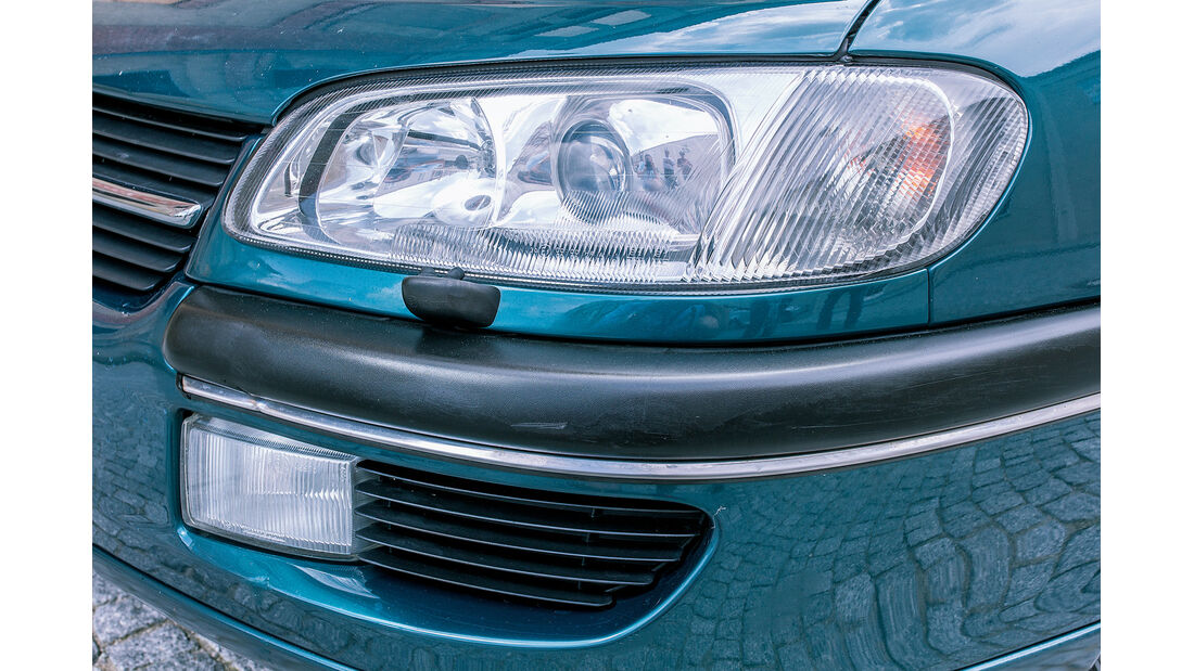 Opel Omega B Mv6, Frontscheinwerfer