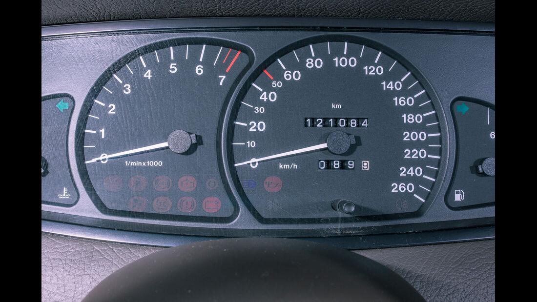 Opel Omega B Mv6, Rundinstrumente