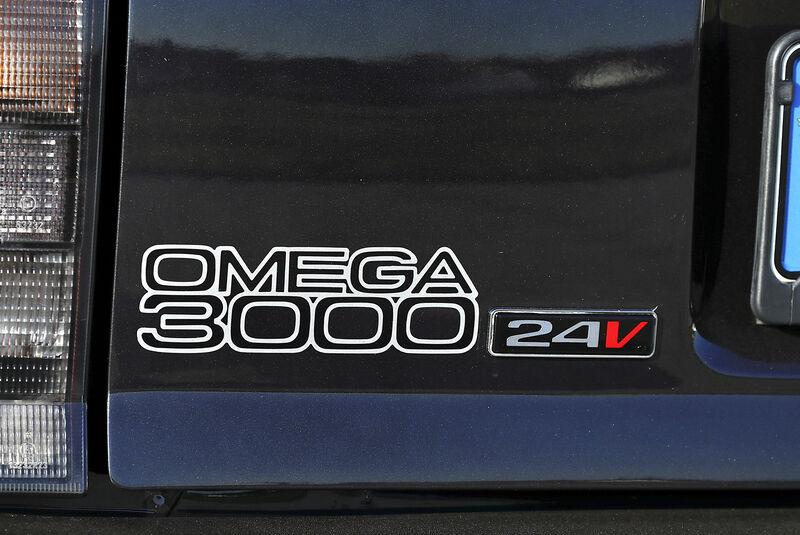Opel Omega Evolution 500, Schriftzug