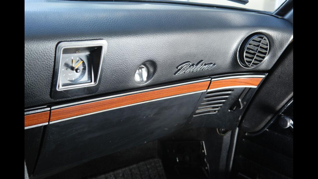 Opel Record 2000 Berlina, Armaturenbrett