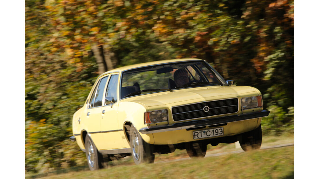 Opel Record 2000 Berlina, Front