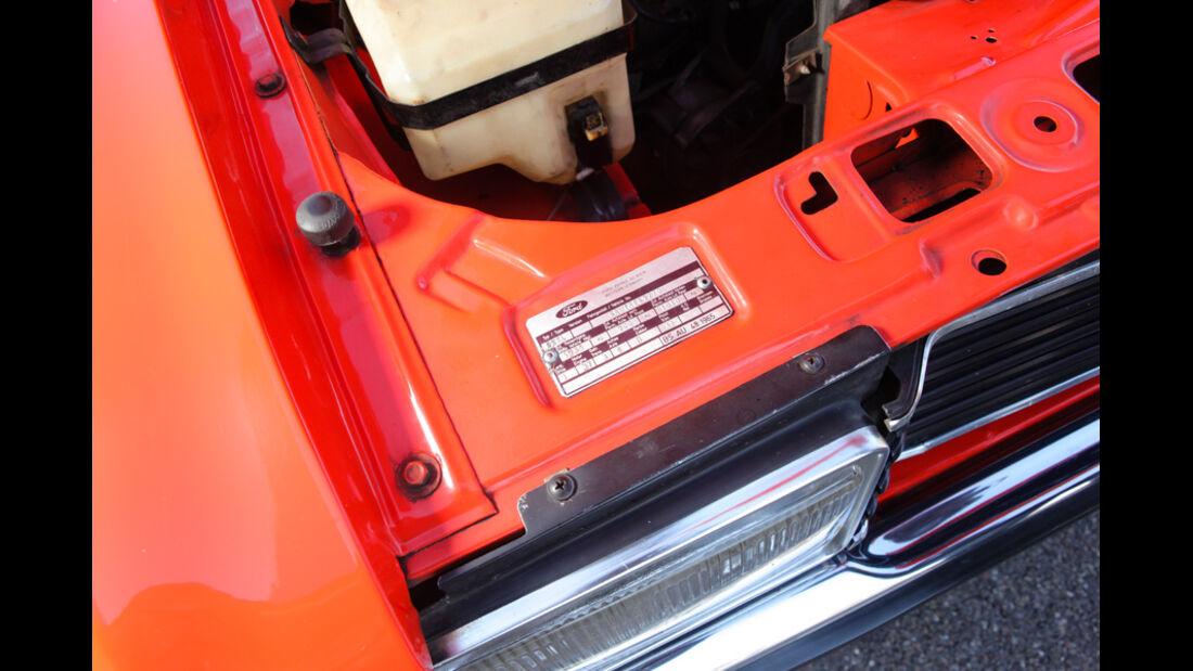 Opel Record 2000 Berlina,Motorbeschriftung