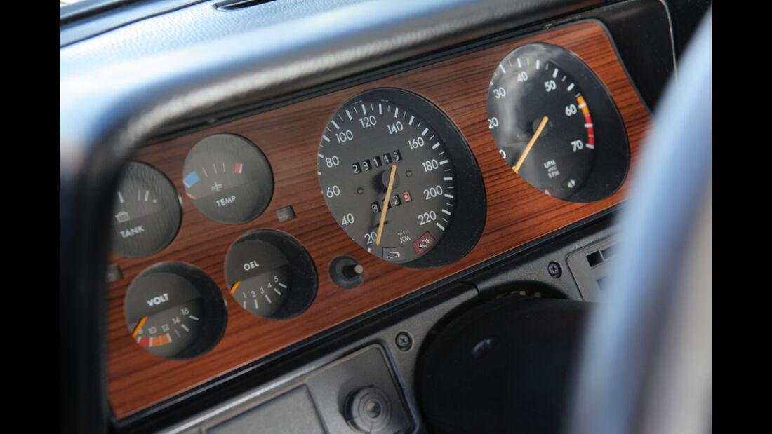 Opel Record 2000 Berlina, Rundinstrumente