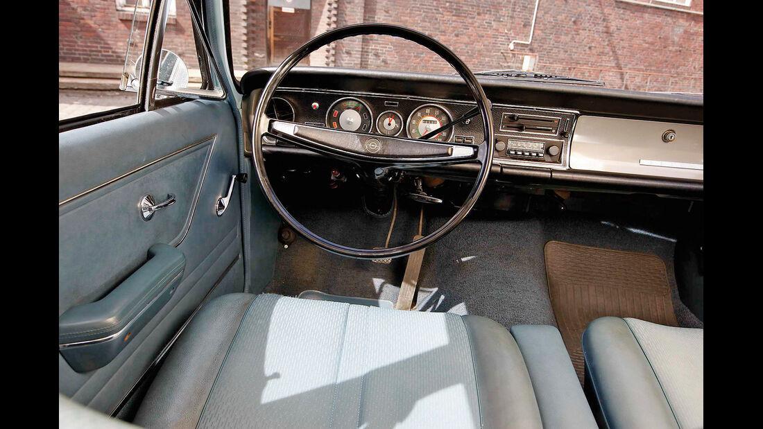 Opel Rekord 1900 L, Cockpit, Lenkrad