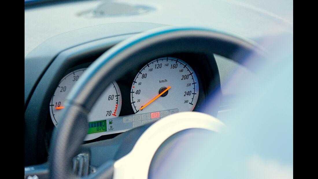 Opel Speedster, Rundinstrumente
