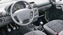 Opel Tigra 1.6i 16V, Cockpit