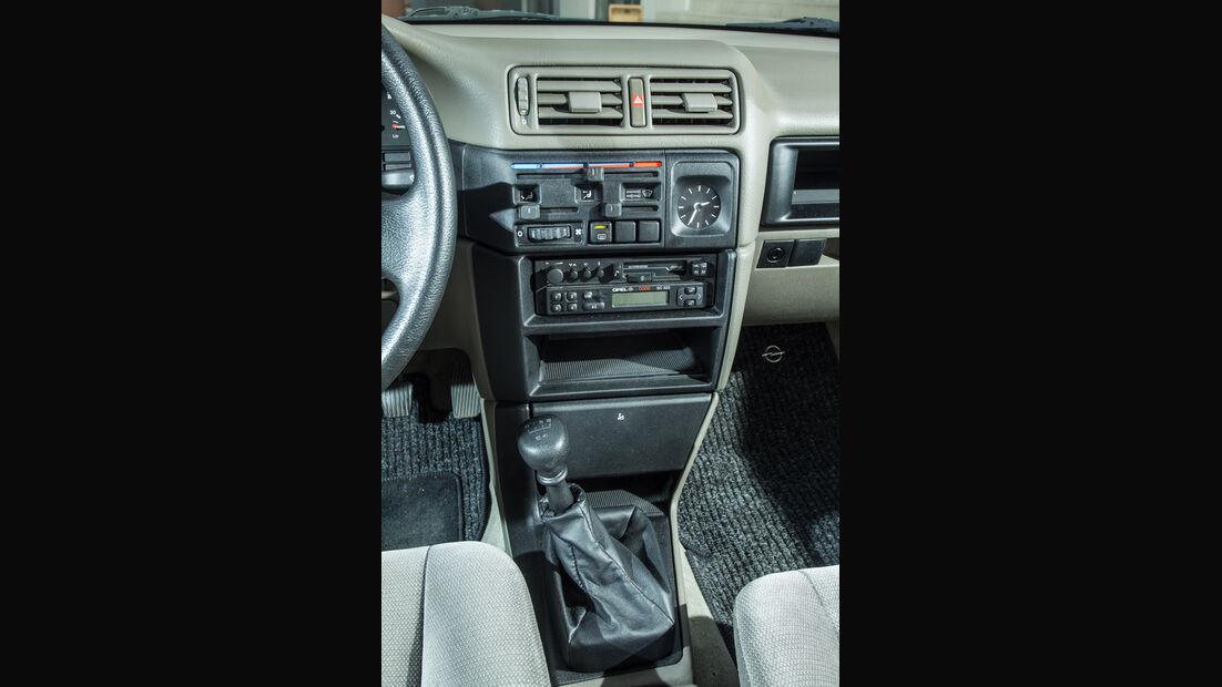 Opel Vectra 2.0i, Mittelkonsole