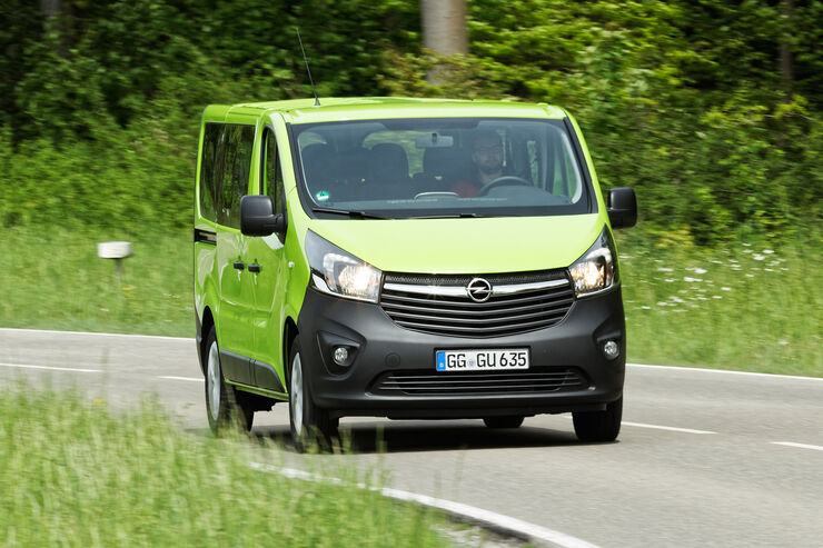 opel vivaro combi test das kann der transporter auto motor und sport. Black Bedroom Furniture Sets. Home Design Ideas