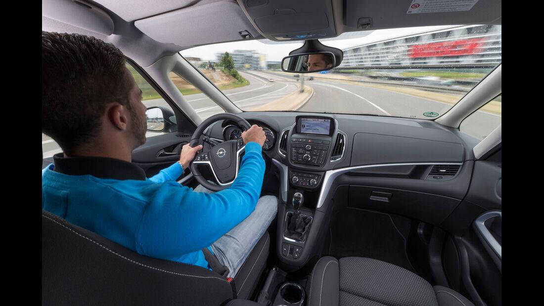 Opel Zafira 1.6 CNG Turbo, Cockpit, Fahrersicht
