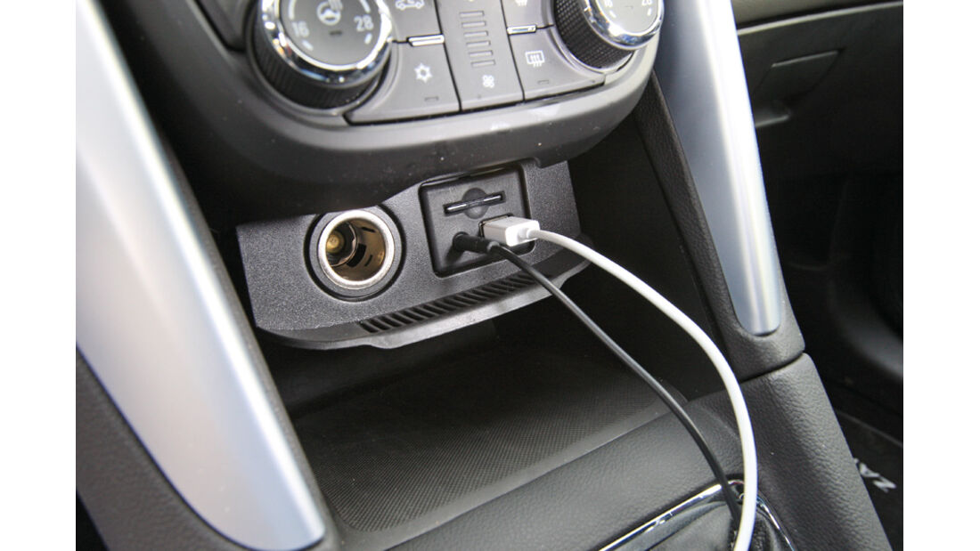 Opel Zafira Tourer 1.4 Turbo, Aux-Anschluss