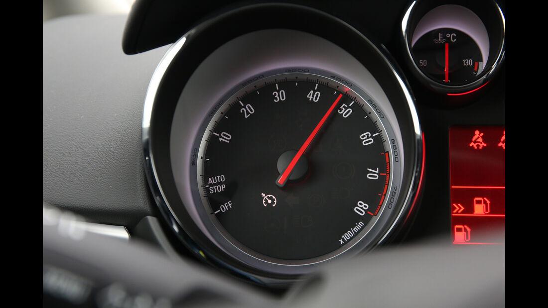 Opel Zafira Tourer 1.4 Turbo, Drehzahlmesser