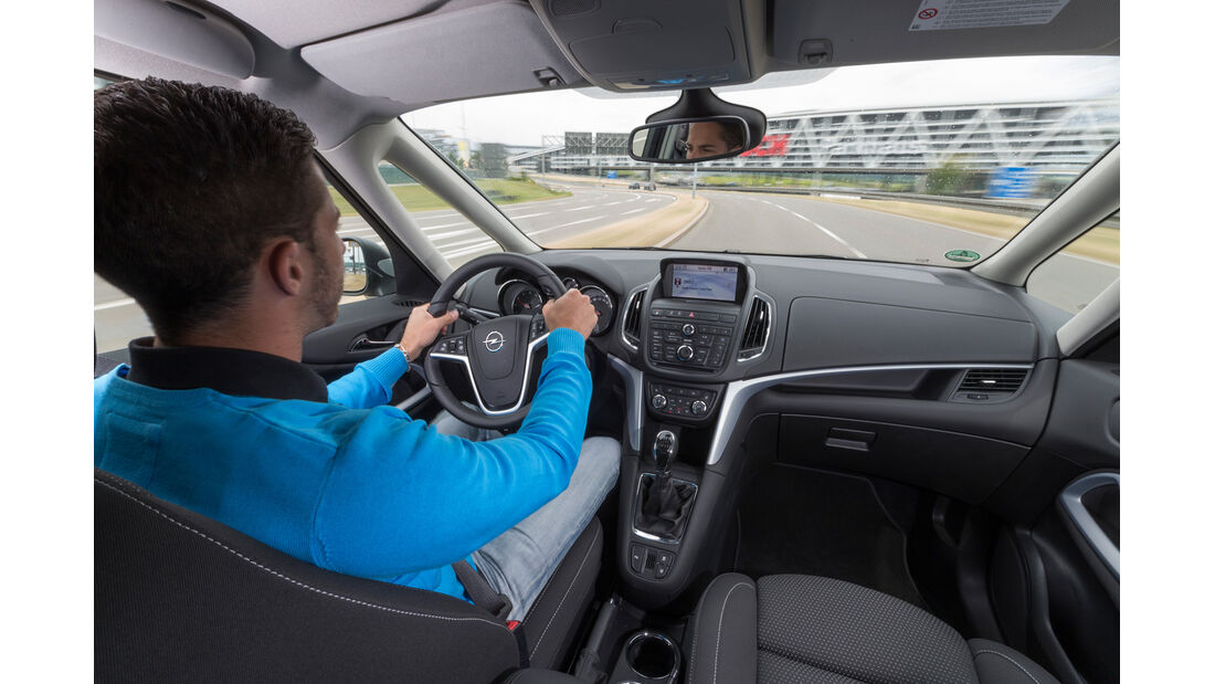 Opel Zafira Tourer 1.6 CNG Turbo, Cockpit, Fahrersicht