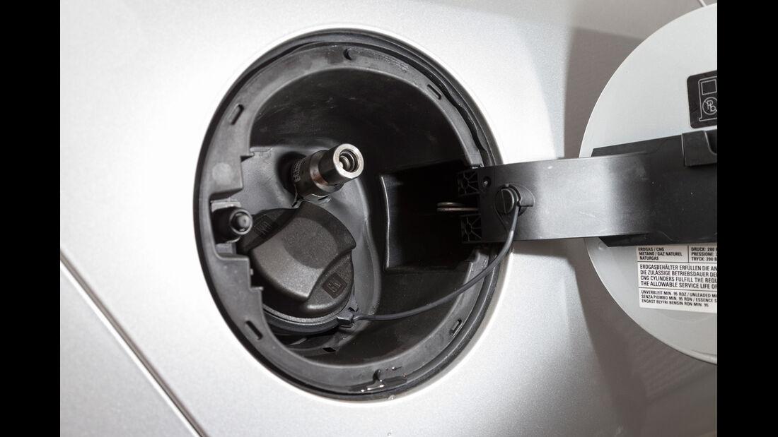 Opel Zafira Tourer 1.6 CNG Turbo, Einfüllstutzen