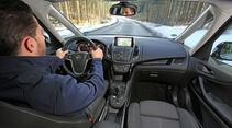 Opel Zafira Tourer 2.0 Biturbo CDTi Sport, Cockpit, Fahrer