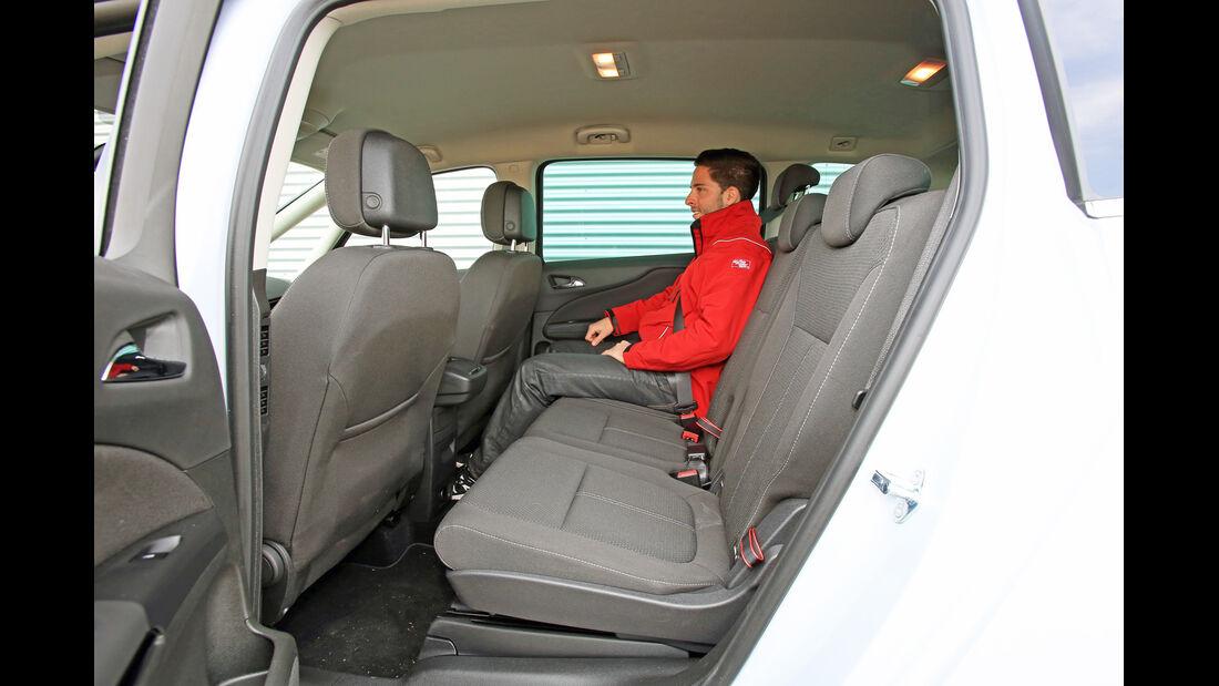 Opel Zafira Tourer 2.0 Biturbo CDTi Sport, Rücksitz, Beinfreiheit