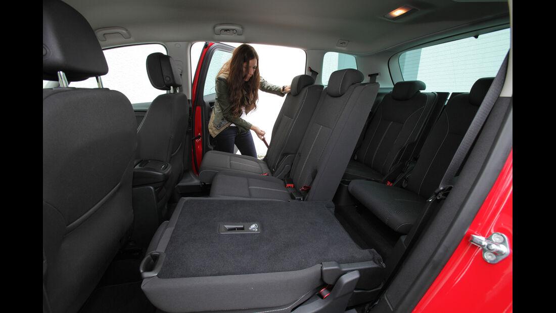 Opel Zafira Tourer 2.0 CDTi, Rückbank, Sitz umklappen