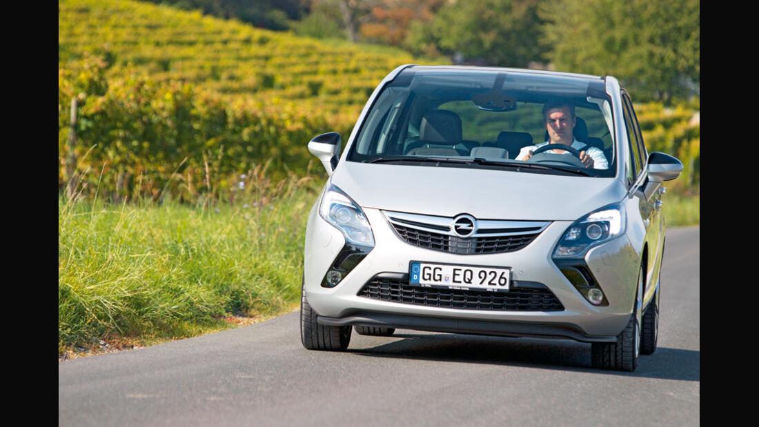 Opel Zafira Tourer, Front