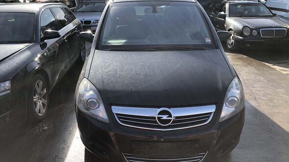 Opel Zafira vorne