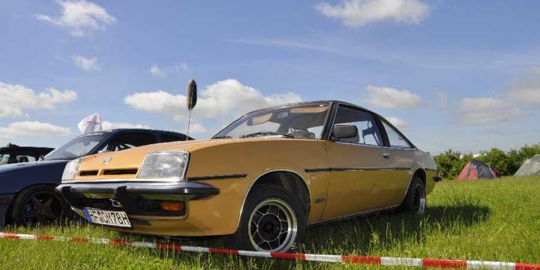 Opel in Reihe