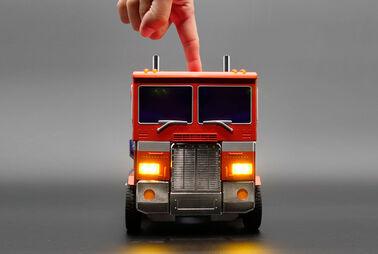 """Spielzeug-Lkw """"transformt"""" sich besser als im Kino"""