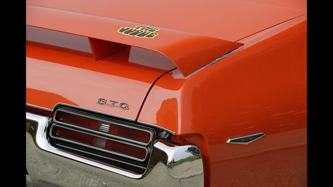 Orangener Pontiac GTO - Heck mit Spoiler
