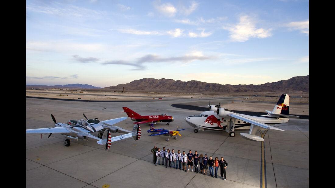 P38, Mig 17, Edge & Albatross - Red Bull-Flieger