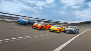 PORSCHE 911, ASTON MARTIN VANTAGE, CHEVROLET CORVETTE, MERCEDES-AMG GT, Exterieur