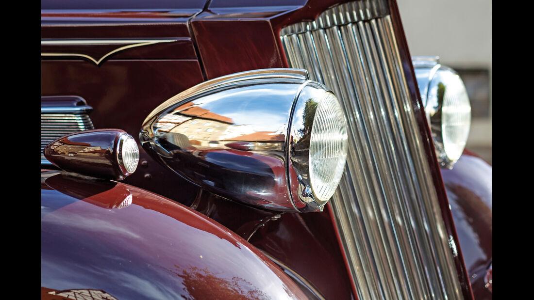 Packard 120 Convertible, Frontscheinwerfer