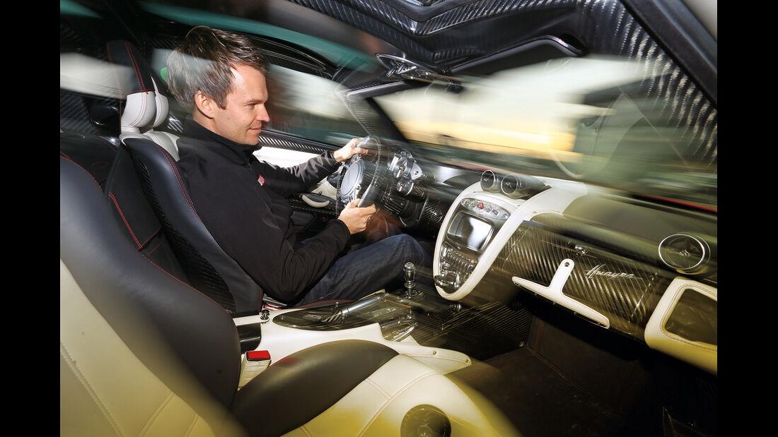 Pagani Huayra, Cockpit