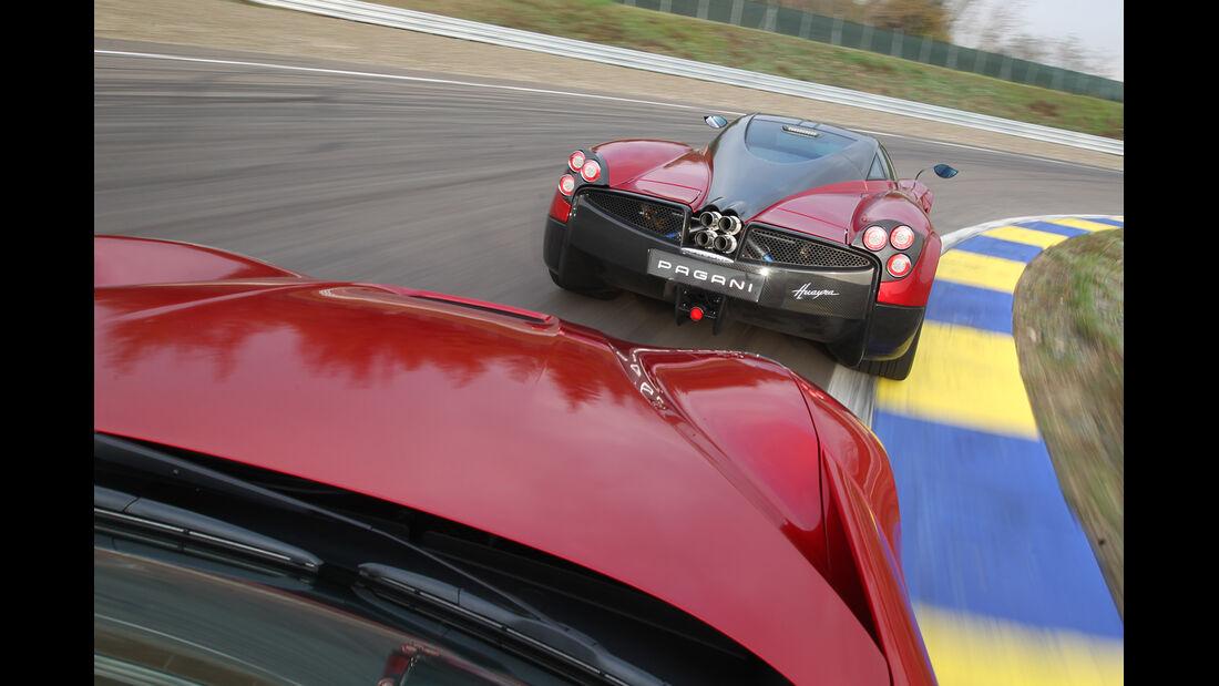 Pagani Huayra, Ferrari F12 Berlinetta, Heck, Fahrersicht