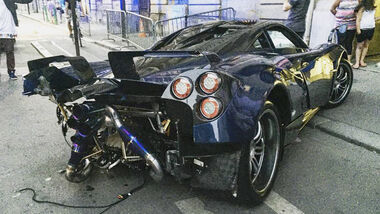 Pagani Huayra Pearl - Crash