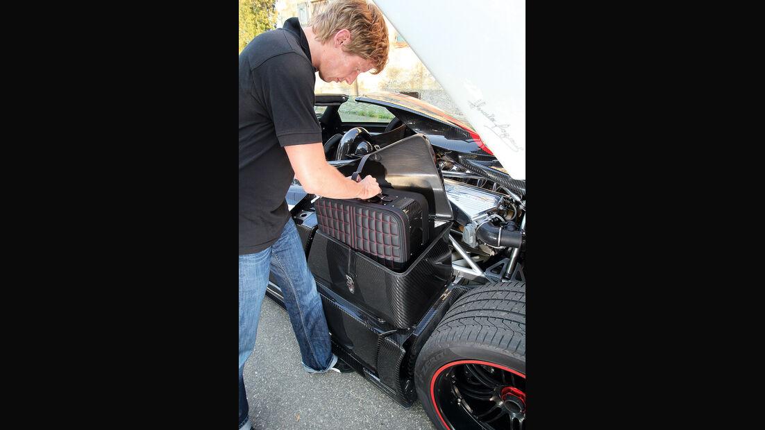 Pagani Zonda Cinque Roadster, Kofferraum